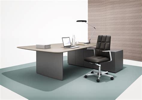 KEYPIECE COMMUNICATION DESK   Executive desks from Walter