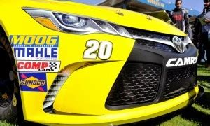 2015 toyota camry nascar of matt kenseth #20 dollar general