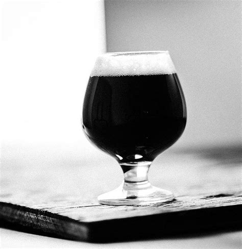 Handstout Caramel this left milk stout clone uses roasted and chocolate malts create hints of coffee and