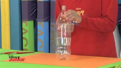 como hacer un dinosaurio con botella de plstico botella de plastico 183 manualidades de papel