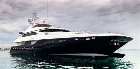 yacht zenith yacht zenith a sabre catamarans superyacht charterworld