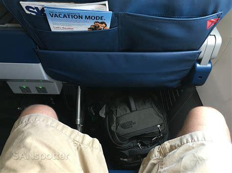 delta leg room delta airlines 737 900er class atlanta to orlando sanspotter