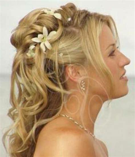 Hochzeitsfrisur Blond by Brautfrisuren Mit Blumen 22 Ideen F 252 R Ein Perfektes