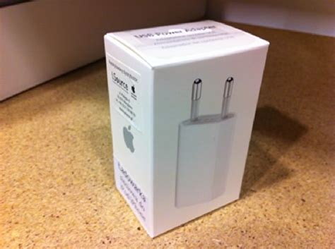 Charger Apple 567 Original Packing iphone 4 charger cable original in india efcaviation
