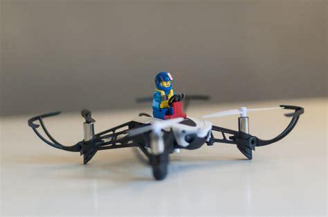 Drone Parrot Mambo in prova parrot mambo il mini drone poliedrico macitynet it