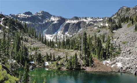 the siskiyou peaks trail from ashland or to mt shasta ca thru the klamath knot books 2013 march pendleton woolen mills