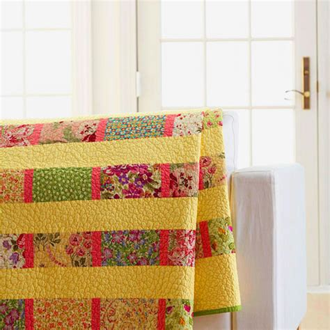 quilts for twin beds fat quarter twin bed quilt allpeoplequilt com