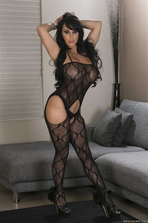Great Looking Brunette Is Ready For Sex Photos Holly