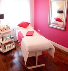 Wax And Relax Room by 1000 Ideas About Esthetics Room On