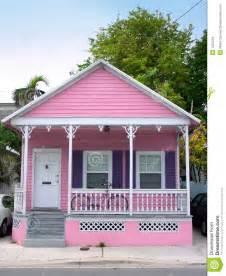 Tiny Homes Florida casa rosada imagenes de archivo imagen 1621264