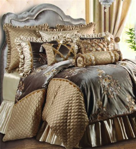 Fancy Bedding Sets 11 Luxurious Gold Bedding Sets