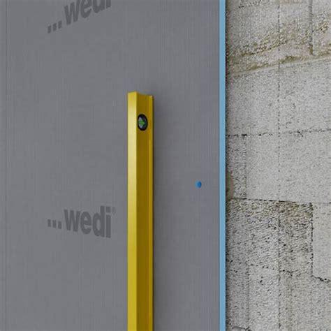 Loch In Decke Bohren Kabel by Wand Bohren Trendy Junger Mann Bohren Wand Mit Zu Hause