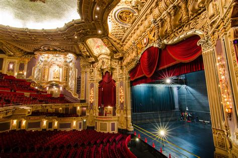 Oriental Home Decor by Broadway In Chicago S Oriental Theatre 183 Sites 183 Open