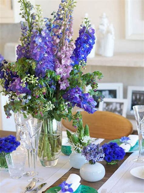 Dining Table Flower Arrangements Use Blue Flowers To Create A Mediterranean Or Sea Inspired D 233 Cor