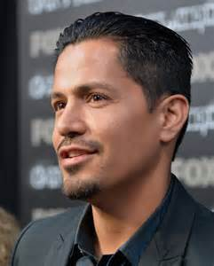 Jay hernandez actor jay hernandez arrives to the premiere of fox s