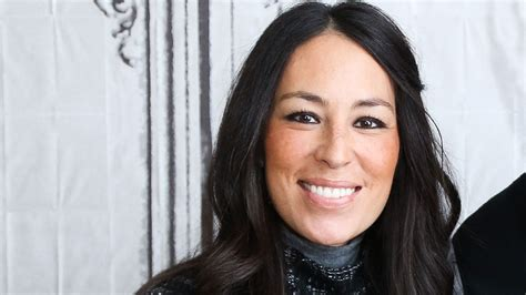 joanna gaines facebook joanna gaines back to no 1 on top tv personalities social
