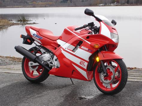 new cbr 600 quot new quot 2012 cbr 600 rr looks like an f2