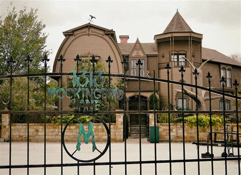 munsters house this replica of the munsters house is creepy and amazing rismedia s housecall