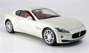 Maserati Diecast Models Maserati Gran Turismo White Mondo Motors Diecast Model Car
