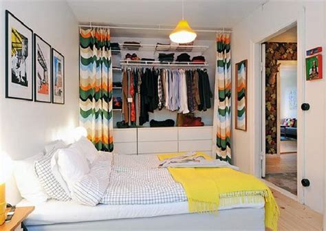 How To Organize A Small Bedroom Without Closet by How To Organize The Closet Www Tidyhouse Info