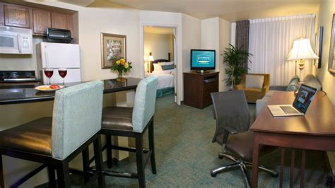 2 bedroom suites in denver staybridge suites denver international airport the suite