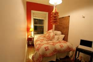 Ideas For Decorating A Small Bedroom Useful Ideas To Decorate A Small Bedroom Small Bedroom