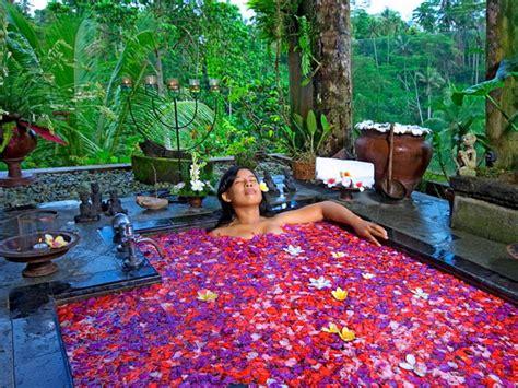 the mahogany villa ubud bali
