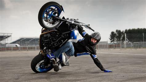 best motorcycle stunts best bike stunt dangerous bike stunts in well of