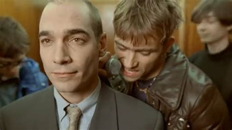 Closet Damon Albarn by Damon Albarn Vid 233 O Clip Blur Charmless Allocin 233