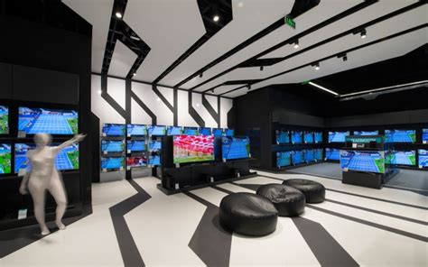 modern technology zora electronic store design