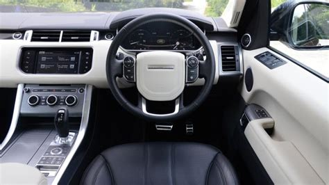range rover sport dashboard range rover sport suv interior dashboard satnav carbuyer
