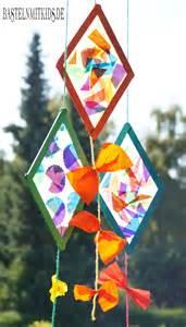 drachen dekoration drachen basteln mit holzst 228 bchen basteln mit kindern