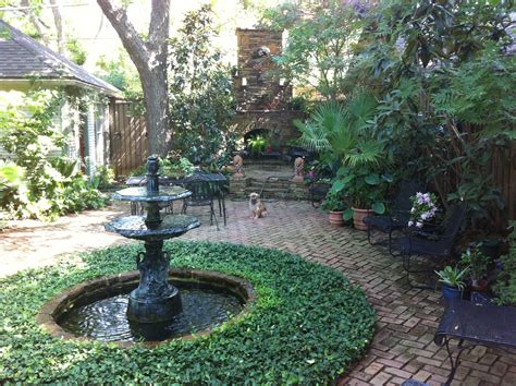 new orleans courtyard backyard for the garden