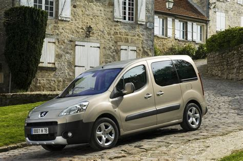 peugeot partner tepee the peugeot partner tepee lets the whole family enjoy the