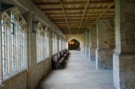 cloister definition illustrated dictionary  british
