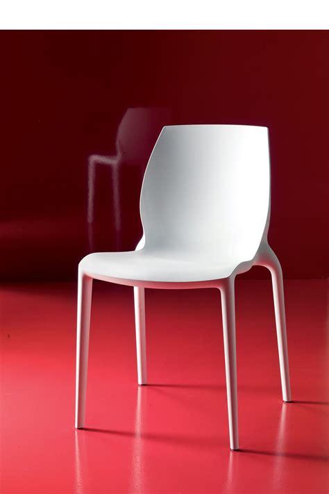 chaise en plastique hidra pour bars et restaurants chaise empilable pour