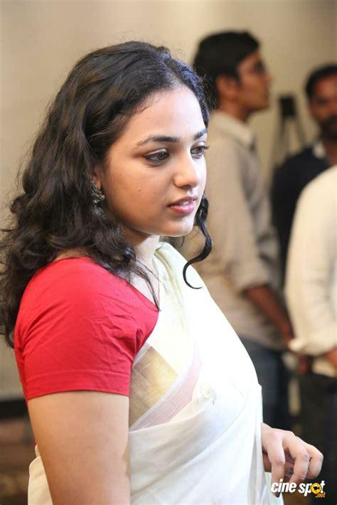 actor actress nithya menon actress nithya menon in saree pics 39