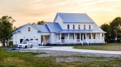 modern farmhouse plan  wrap  porch  breezeway