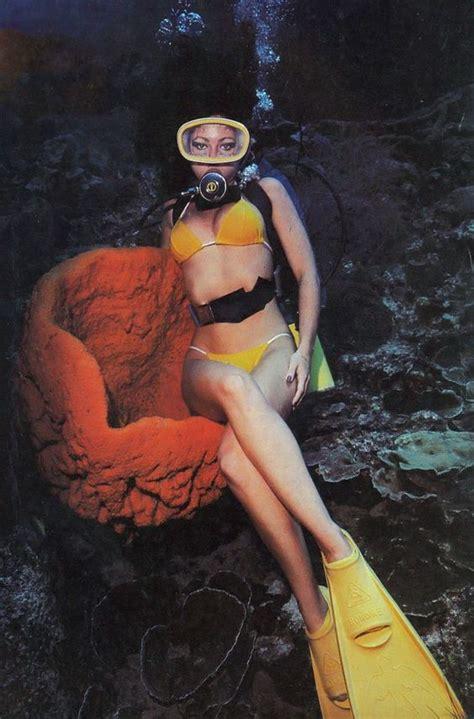 sexi dive scuba sitting underwater underwater scuba