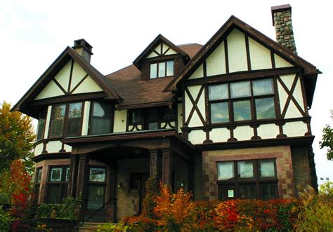 Tudor Home Style | 20 tudor style homes to swoon over