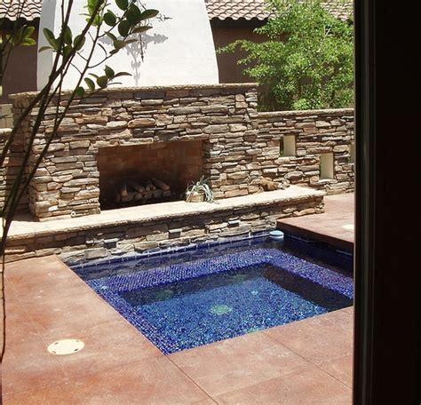 jacuzzi backyard 33 awesome outdoor jacuzzis with stunning views digsdigs