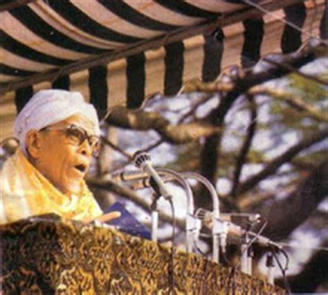 biografi hamka sastrawan biografi hamka sastrawan indonesia biografi tokoh