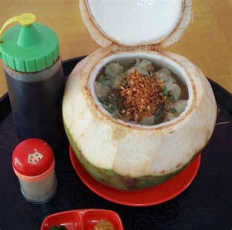 uniknya sajian bakso  batok kelapa