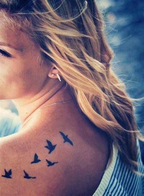 bird tattoo on girl s shoulder tatoo mein herz and fliegende v 246 gel on pinterest