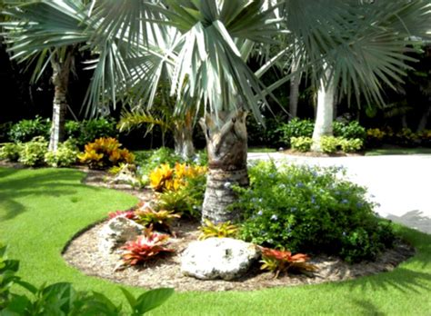 green simple landscaping ideas using mulch for front yard attractive landscape edging ideas beautiful landscaping