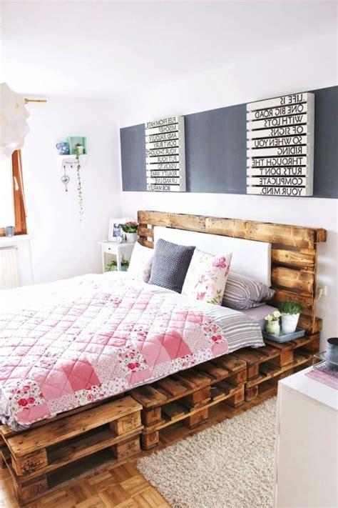 Holzpaletten Bett