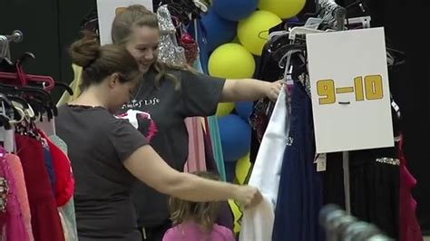 Pacers Giveaways 2017 - pacers wife lesley west 3rd annual prom dress giveaway indiana pacers