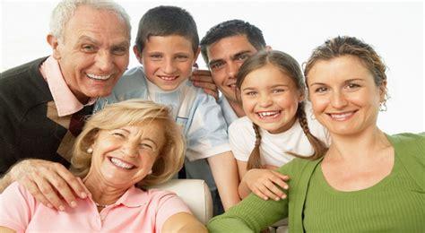 imagenes de abuelos alegres la alegr 237 a de ser una familia unida informando y