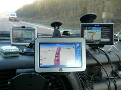 porta navigatore auto navigatori gps comparativa su 9 prodotti sicurauto it
