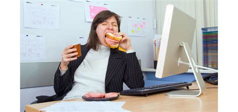 should agents be allowed to eat at their desks
